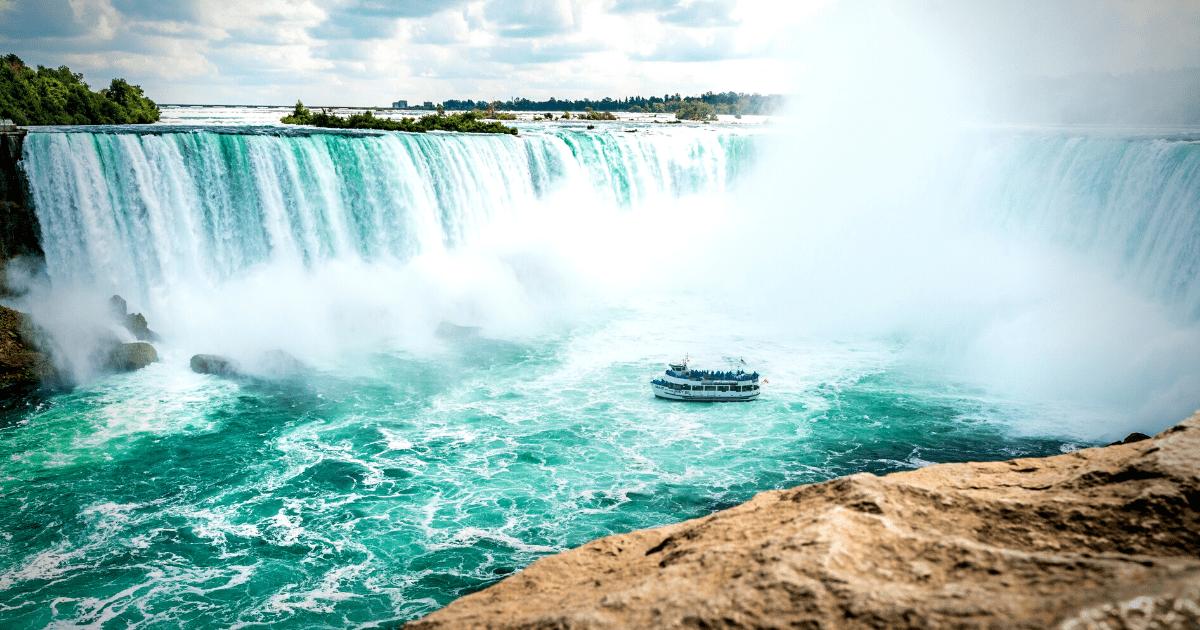 Canadá reabrirá em setembro para turistas brasileiros com vacinação completa