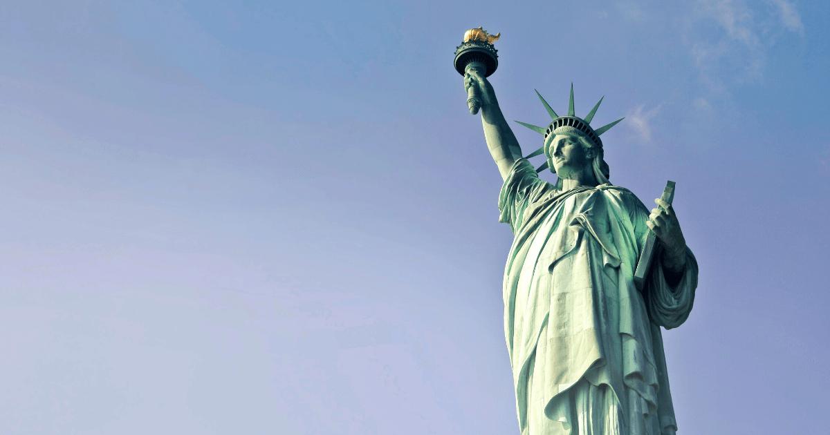 Estados Unidos vão liberar restrições para turistas brasileiros imunizados